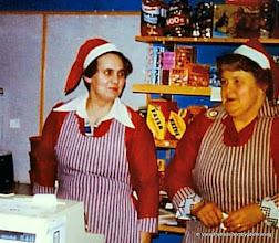 Photo: Affären 1970-tal luciakaffe, Barbro Andersson Nabben och Astrid Nilsson Ingelhyttan