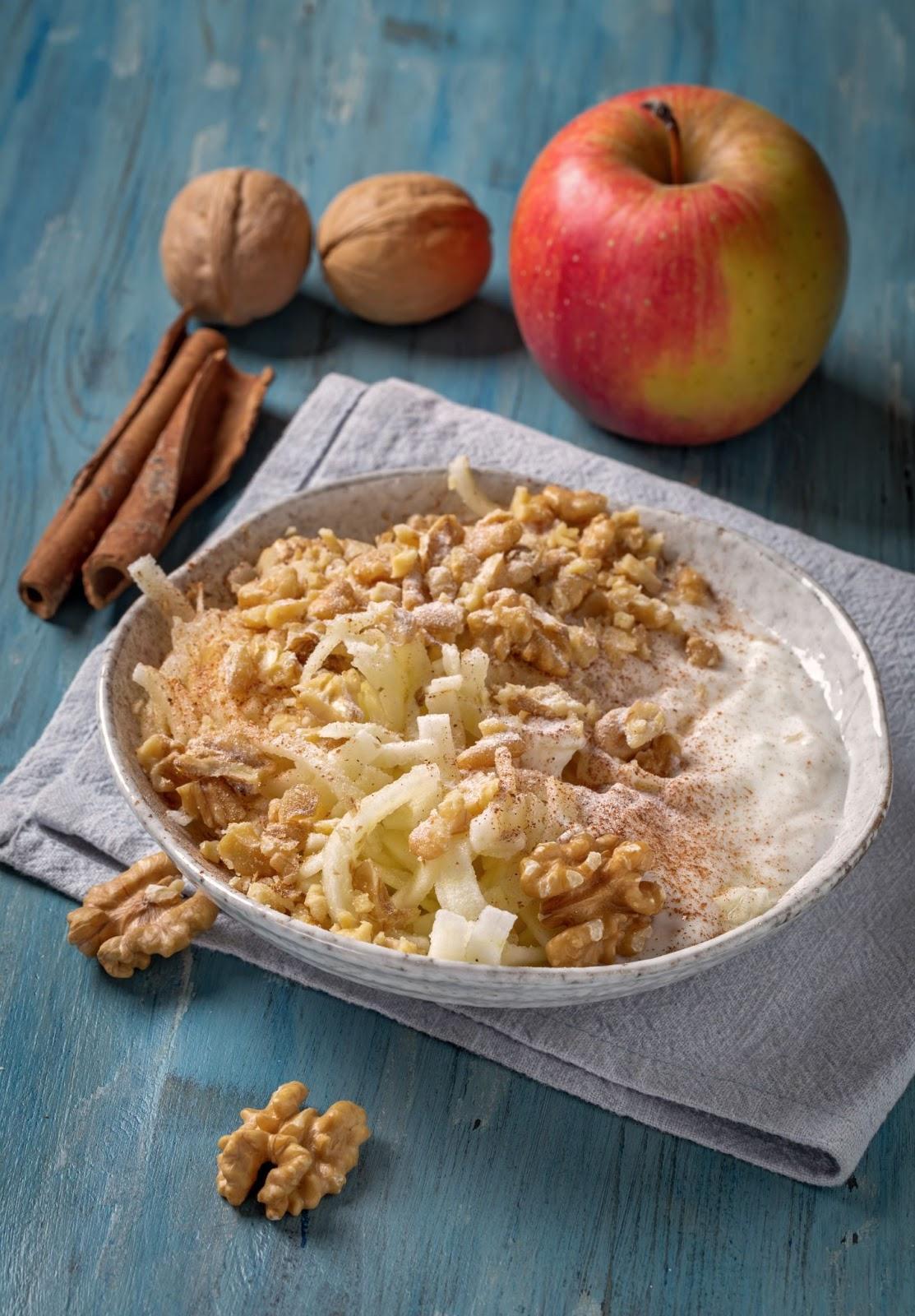 Preparación de manzanas ralladas con nueces
