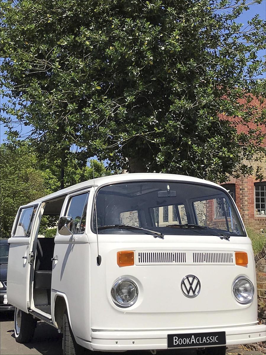 Volkswagen Microbus Deluxe Hire London
