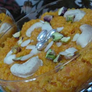 Gajar Halwa - Carrot Pudding !.