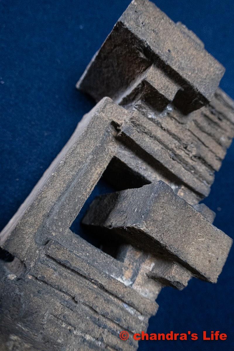 フランクロイドライト旧帝國ホテル レンガ  Frank Lloyd Wright The Imperial Hotel   Brick