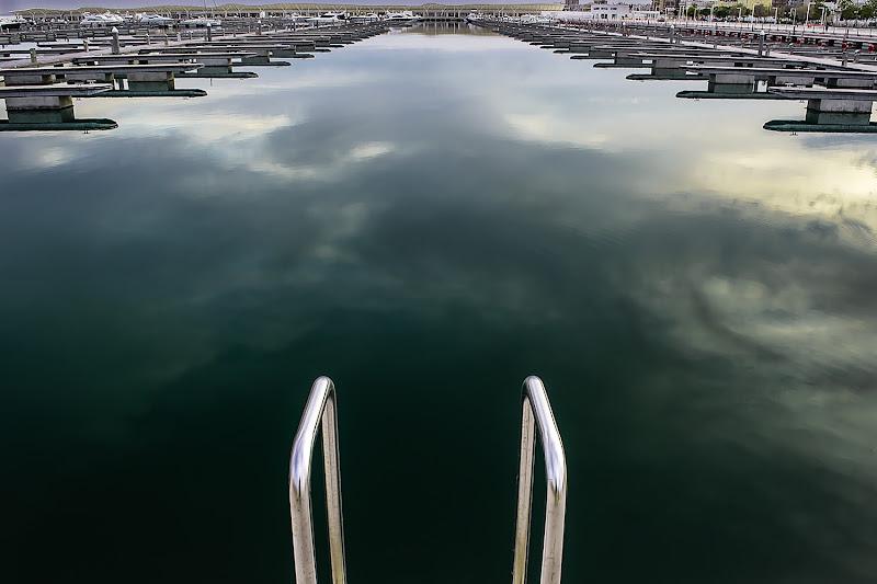 Un tuffo in piscina di Massimo De Cata