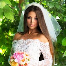 Wedding photographer Oksana Ryabovol (oksss12333). Photo of 28.07.2015