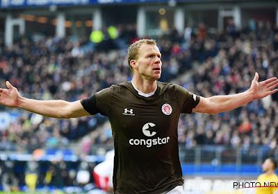 Charleroi speurt naar aanvallende versterking en komt terecht bij opvallende verschijning: twee meter lange spits uit 2. Bundesliga