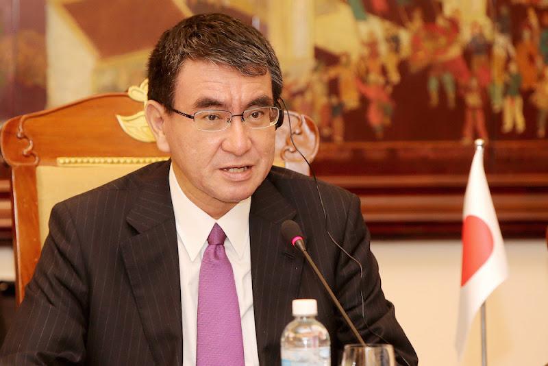 河野太郎外相、公邸料理人のツイッター開始を告知「日本外交に貢献する人たちの活躍を発信していきます」