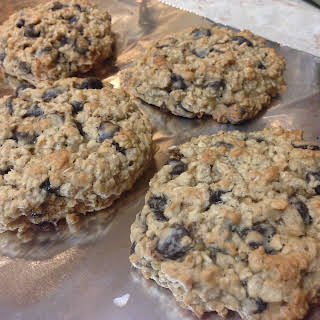 21 Day Fix Oatmeal Chocolate Chip Cookies.