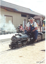 Photo: David Hannah Photo HALS-SWLS 2001-0526   Vance Nickerson on David Hannah's Mike