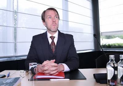 """Waarvan het bondsparket de vier bestuursleden van Waasland-Beveren allemaal beschuldigt: """"Normaal gezien ga je niet twee keer samenzitten met een louche figuur"""""""