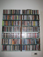 Photo: Kundenfoto des woodandmore CD Regal STORAY in Nussbaum für 600 CDs.  Customer's picture from the woodandmore CD shelving unit STORAY made of walnut wood for 600 CDs