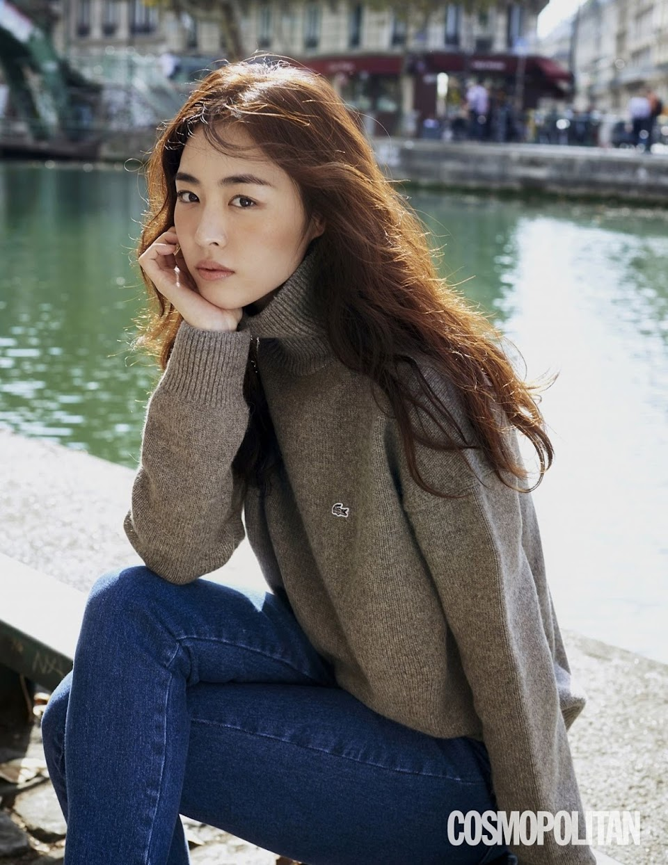 lee-yeon-hee-cosmopolitan-korea-december-2018-8