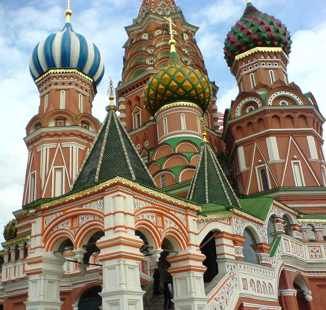 Photo: モスクワ、聖ワシリイ大聖堂  Photo from Wikimedia Commons (public domain) 『ロシア・ハウス』 http://goo.gl/YR7k9d