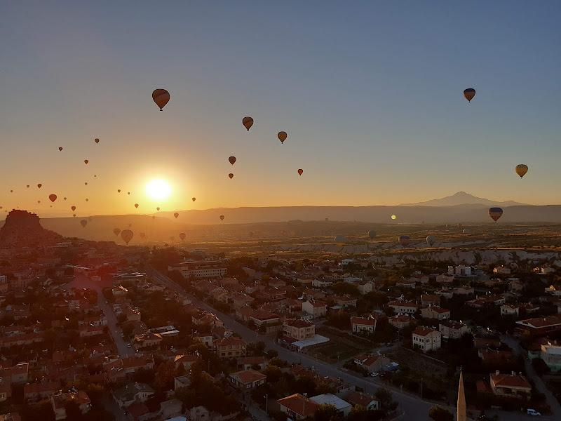 Orange hot air baloons di marinonelorenzo