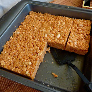 PEANUT BUTTER-BROWN RICE CRISPY BARS.