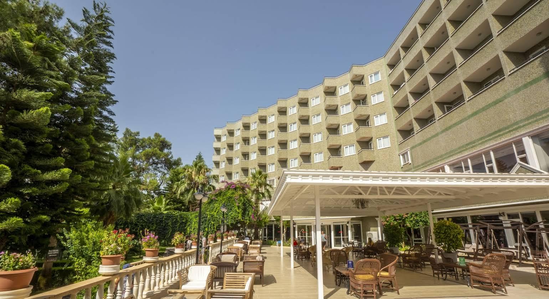 Armas Kaplan Paradise Hotel