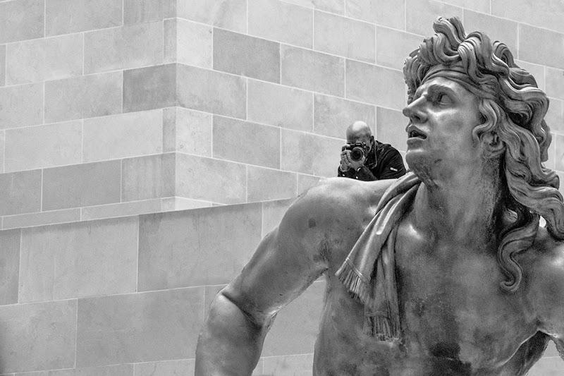 Il sostegno dell'arte - Museo del Louvre di Sabrina Scanu