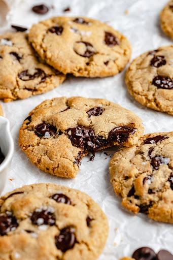 Blow Ya Mind Vegan Chocolate Chip Cookies (gluten free, too!)