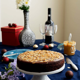 Chocolate Cake with Dulce De Leche Recipe