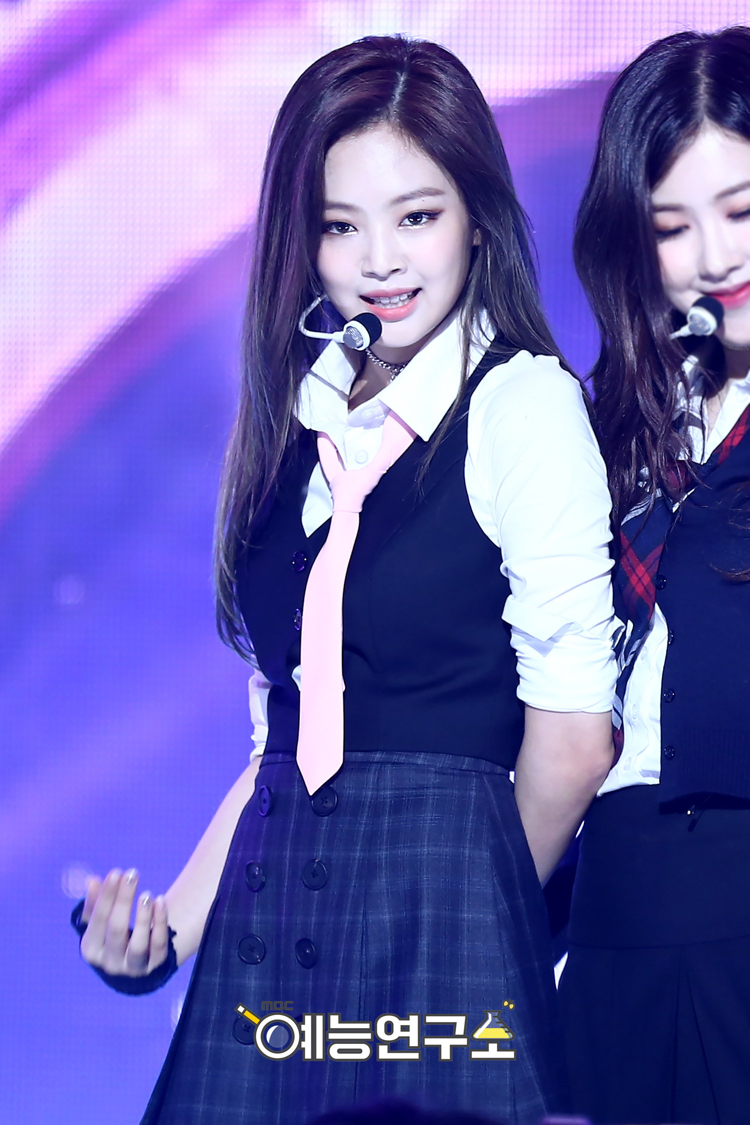 Jennie.Kim.full.153799