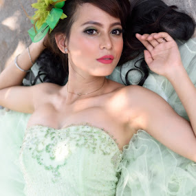 The Beauty in Green by Saiful N. Firmansyah - People Portraits of Women ( portraits of women, green, bride, portraits, portrait )