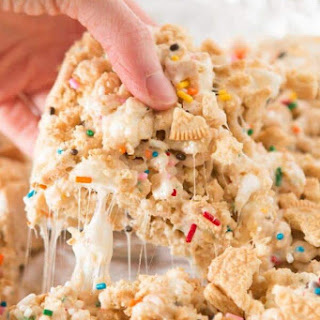 Fluffy Golden Oreo Funfetti Rice Krispy Treats Recipe