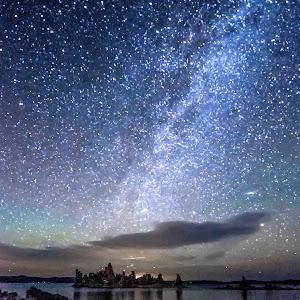 Mono Lake nightscape.jpg