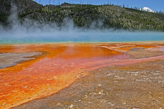 Photo: Grand Prismatic Spring - Yellowstone National Park, Wyoming