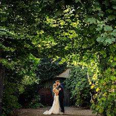 Wedding photographer Louise van den Broek (momentsinlife). Photo of 10.10.2016