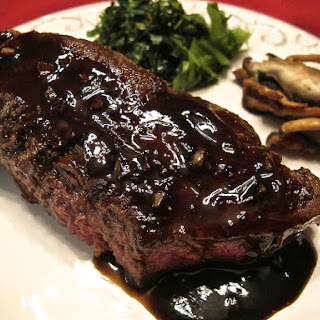Sautéed Steak with Balsamic Vinegar Reduction
