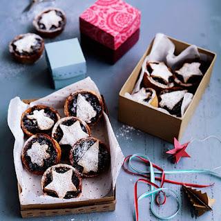 Cinnamon-chocolate Fruit Mince Tarts.