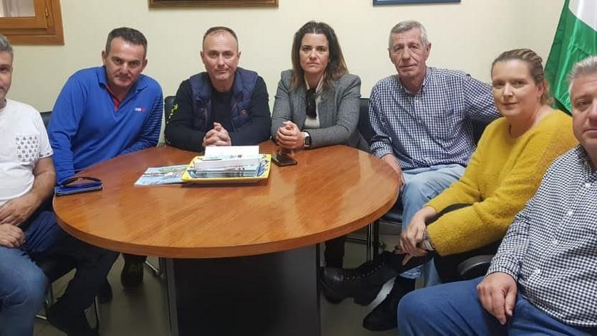 Reunión del equipo de gobierno con el Motoclub Bajo Andarax.