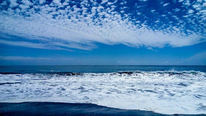 pacific+ocean+chile+beach+cauquenes.jpg