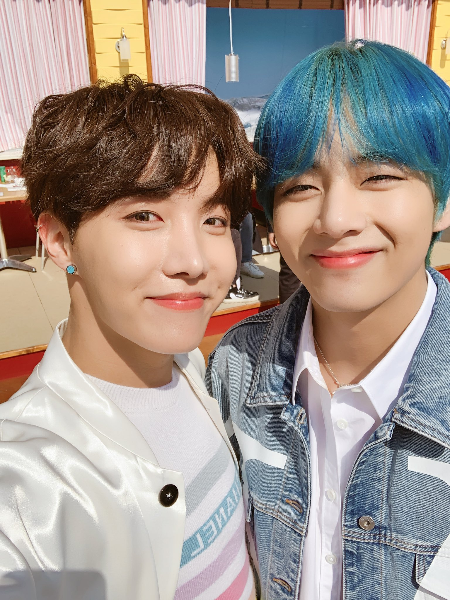 BTS hope v blue hair