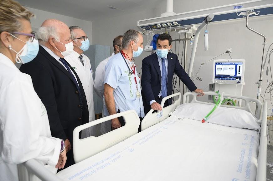 Juanma Moreno ha inaugurado el Hospital Materno Infantil de Almería.