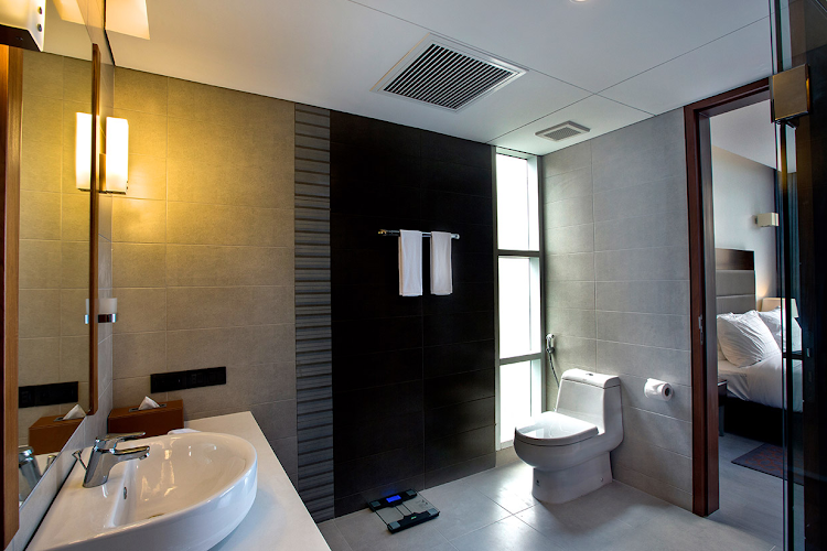 space-apartment-bathroom