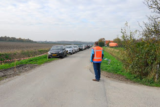 Photo: Bennie regelt het verkeer