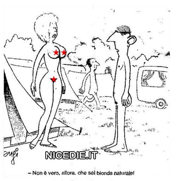 un uomo e una donna in un campo di nudisti, lui: non è vero allora che sei bionda naturale!