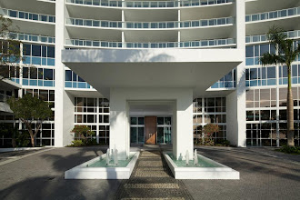Photo: Now that's an entrance! The Paramount Bay Porte Cochere.