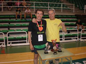 Photo: José Manuel Méndez (Infraex 2000 S.L.) y Felipe Criado (Asociación Aficionados), presentando con humor los Trofeos del Concurso