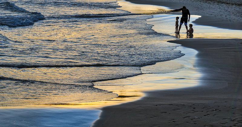 In tre sulla spiaggia di Montevecchi
