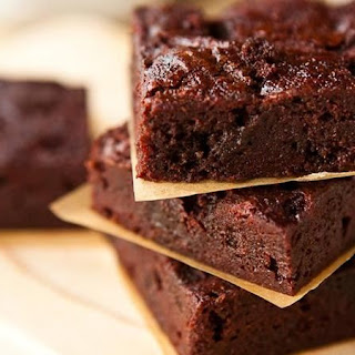 Boozy Raspberry Poke Brownies Recipe
