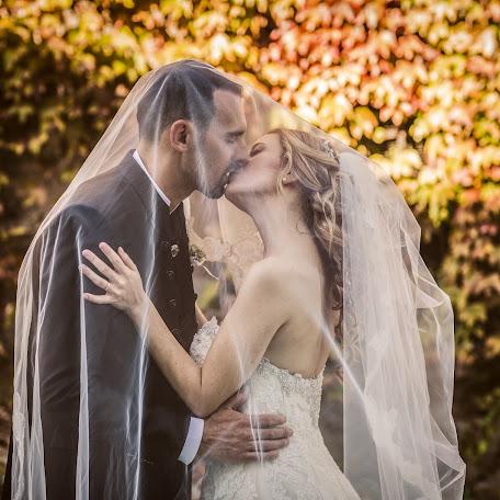 Свадебный фотограф Simone Rossi (simonerossi). Фотография от 18.11.2017
