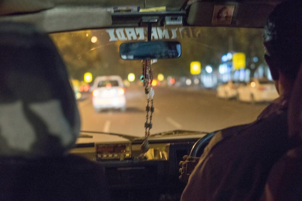 Taxi ride into New Delhi