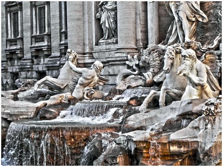 Fontana di Trevi di andprove