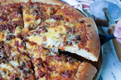Susie's Bacon Cheeseburger Pizza