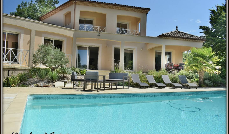 Maison avec piscine et terrasse Lembras