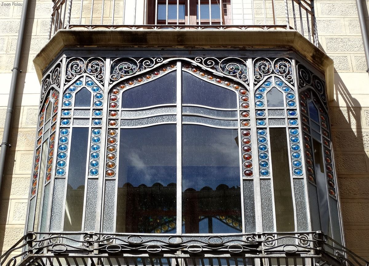Casa antoni capell i bala barcelona modernista i singular - Vidres igualada ...