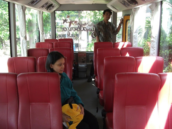 Interior Bus Surabaya Shopping & Culinary Track (SSCT)