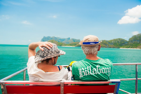 Cruise onboard the Blue Stars to Angthong Marine Park