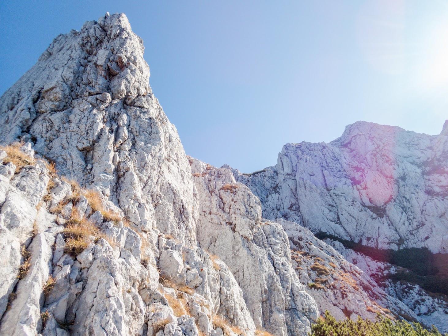 Vâlcelul cu Fereastră (Munţii Piatra Craiului)