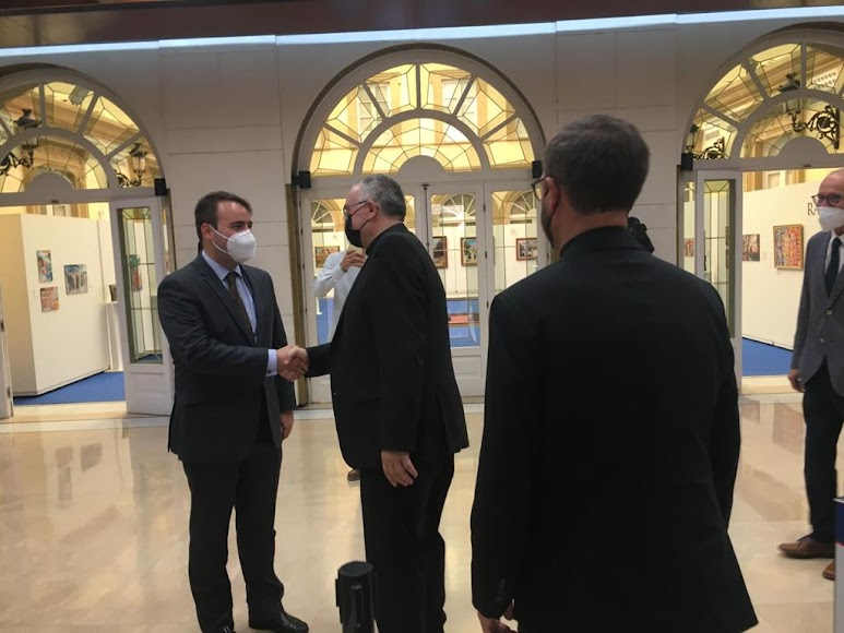 El obispo coadjutor de Almería visita la Diputación.